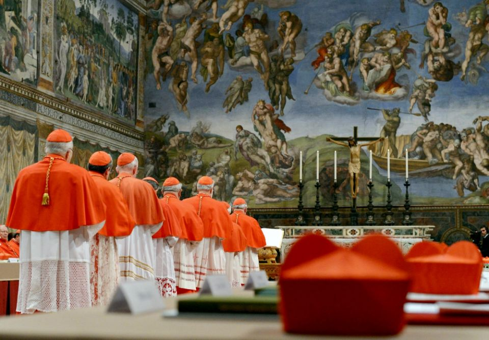 Election of a Pope - How does it work? Image of Cardinals in the Sistine Chapel