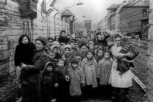 Holocaust- jews in Auschwitz