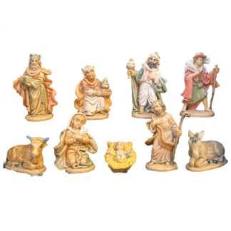 Rubberised 9 Piece Nativity Figure Set This nativity set comprises of 9 figures between 3cm and 6 cm high. They are made from rubberized materials which means they are unbreakable if dropped or knocked over.
